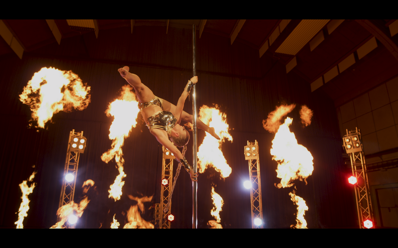 'Pyroterra_fire-pole-dance_unikátní_show'