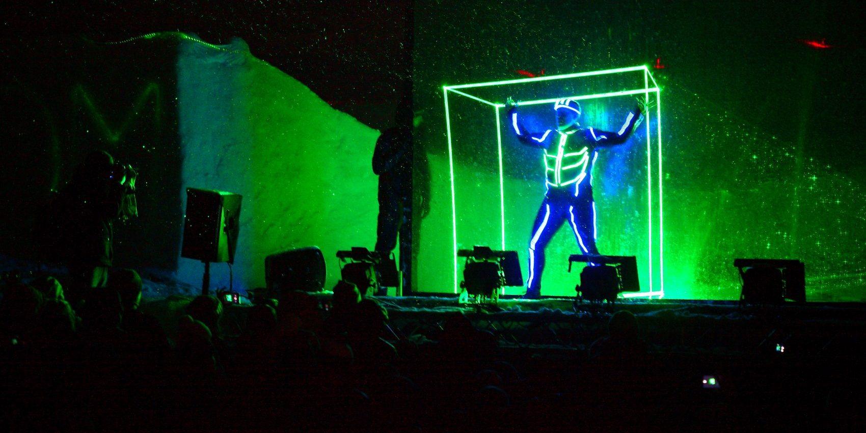 Pyroterra_laser-shadows